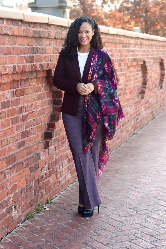Dressing Professionally with Scarves 1