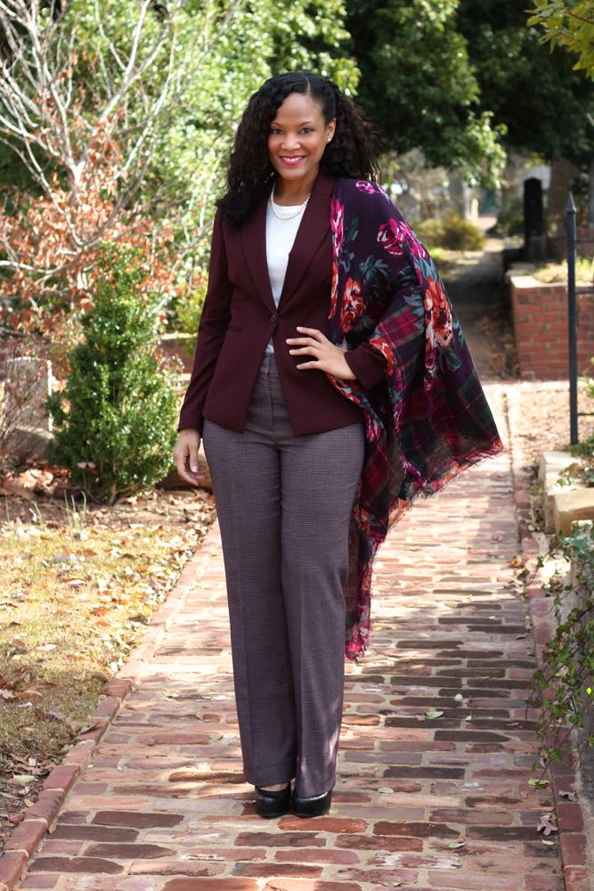 Dressing Professionally with Scarves 2